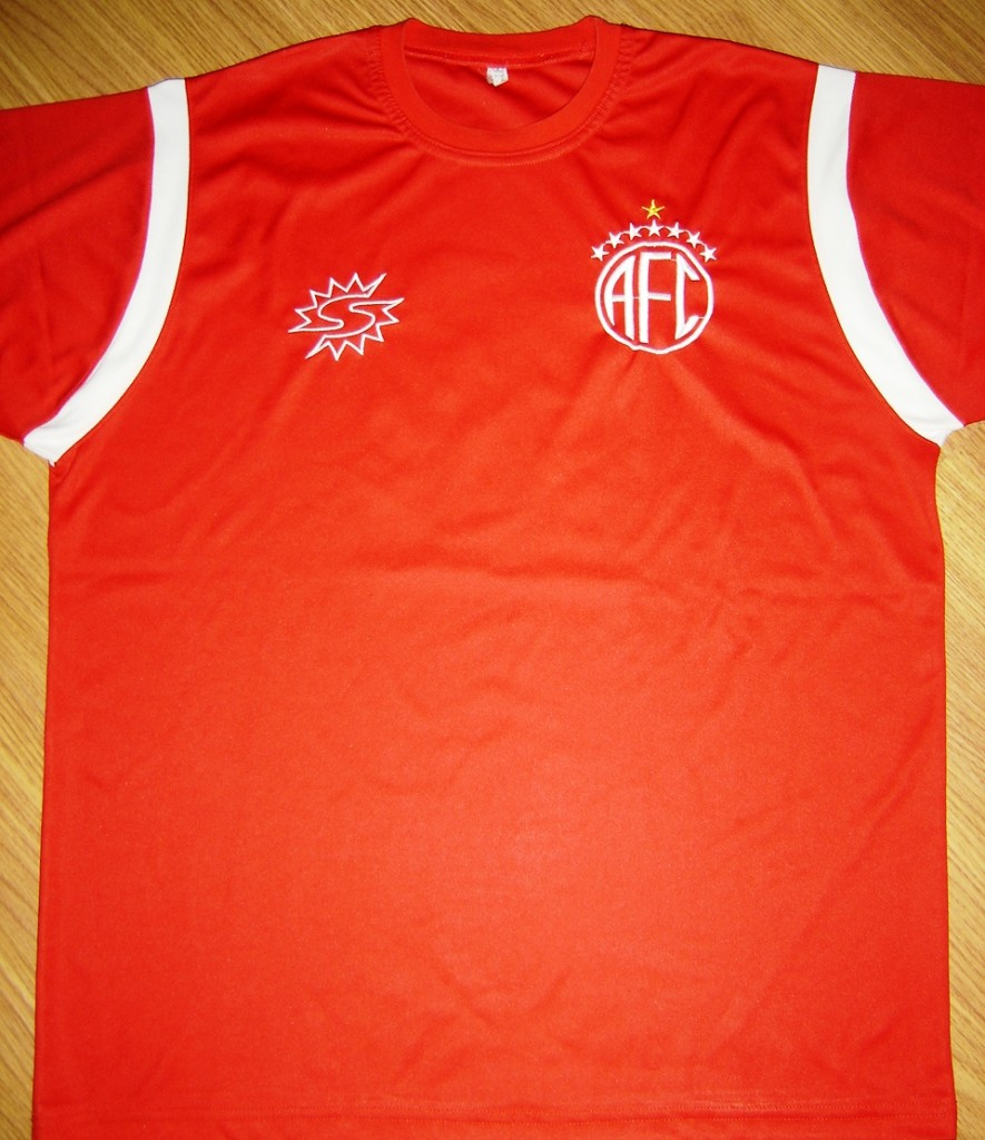 f906a5c085 As Mil Camisas